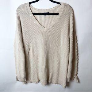 American Eagle Oatmeal Colored VNeck Sweater